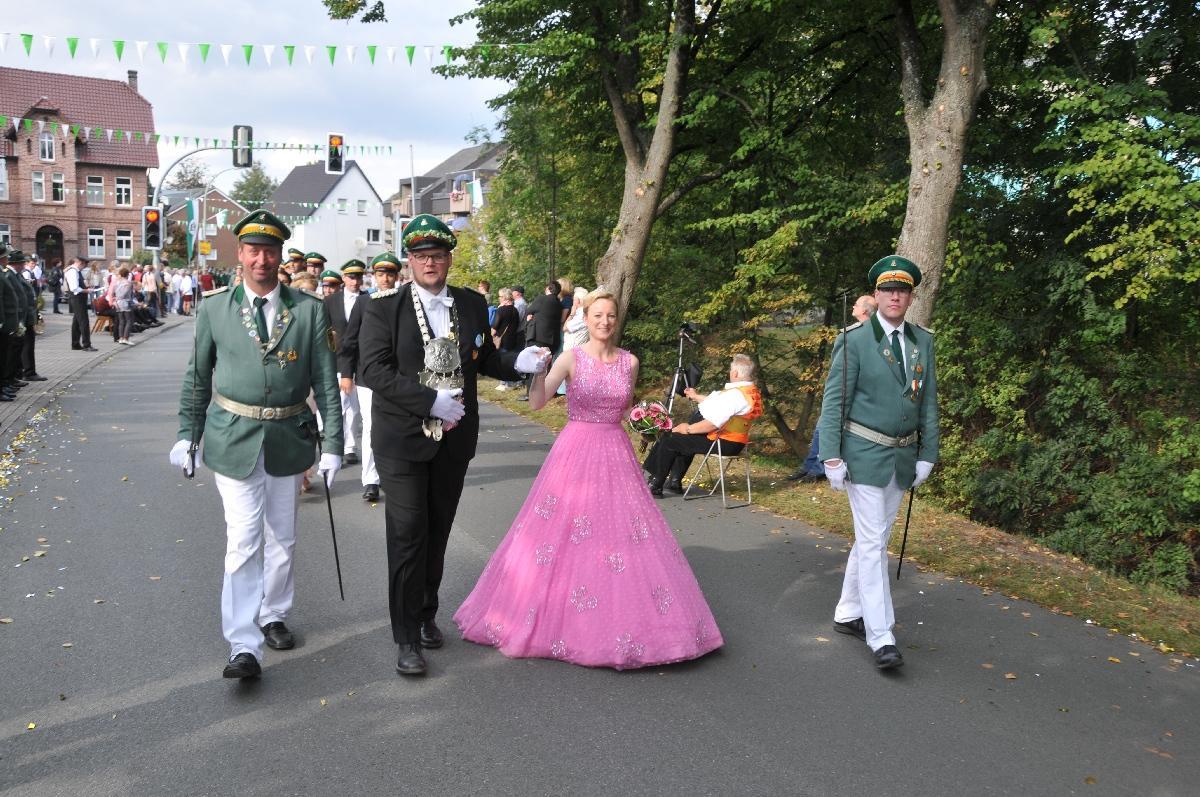 Bundesschuetzenfest_Bad-Westernkotten-B1004_TKU-18092016